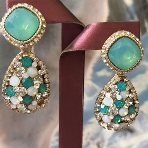 Jewelry - Opalescent green and crystal earrings